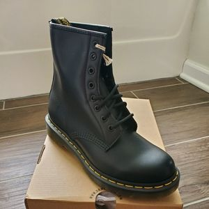 Doc Martens Dr. Martens 1460 leather boots